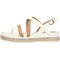 Cipők Női Szandálok / Saruk Alviero Martini P3A2109041195 White