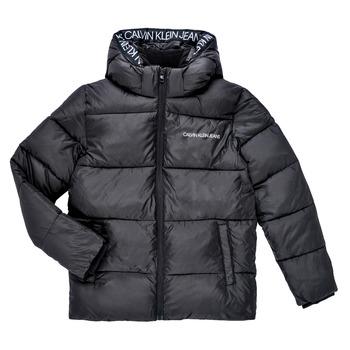 Ruhák Fiú Steppelt kabátok Calvin Klein Jeans LITHERA Fekete