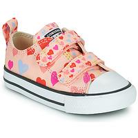 Cipők Lány Rövid szárú edzőcipők Converse CHUCK TAYLOR ALL STAR 2V ALWAYS ON HEARTS OX Rózsaszín