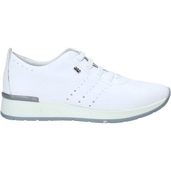 Cipők Női Rövid szárú edzőcipők Valleverde V66383 Fehér