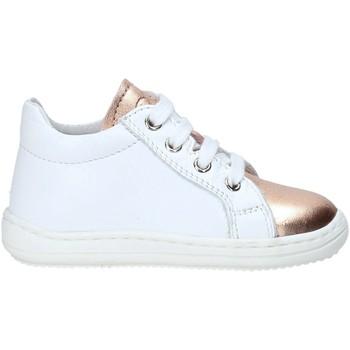 Cipők Gyerek Rövid szárú edzőcipők Naturino 2012143 01 Fehér