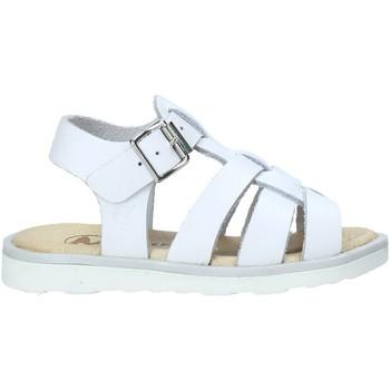 Cipők Lány Szandálok / Saruk Naturino 502318 02 Fehér