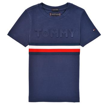 Ruhák Fiú Rövid ujjú pólók Tommy Hilfiger ELEONORE Tengerész