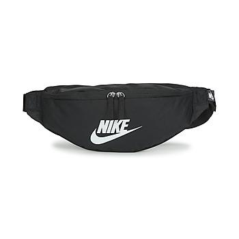 Táskák Övtáskák Nike NK HERITAGE WAISTPACK - FA22 Fekete  / Fehér