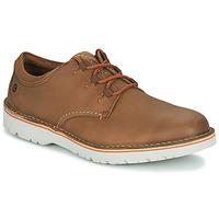 Cipők Férfi Oxford cipők Clarks EASTFORD LOW Teve