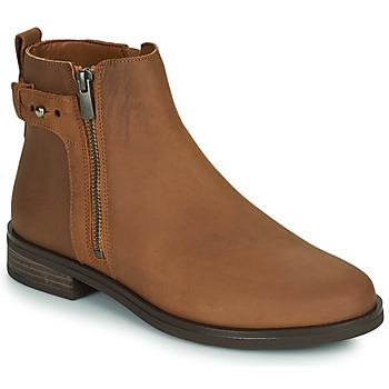Cipők Női Csizmák Clarks MEMI LO Teve