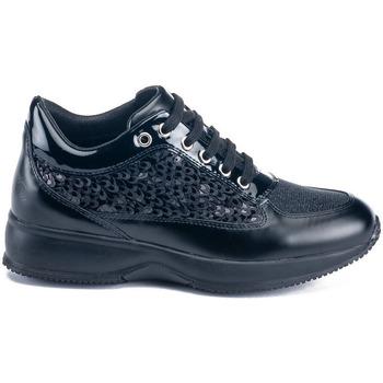 Cipők Női Rövid szárú edzőcipők Lumberjack SW01305 010 Y65 Fekete