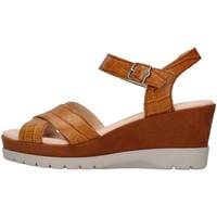 Cipők Női Szandálok / Saruk CallagHan 29004 BROWN