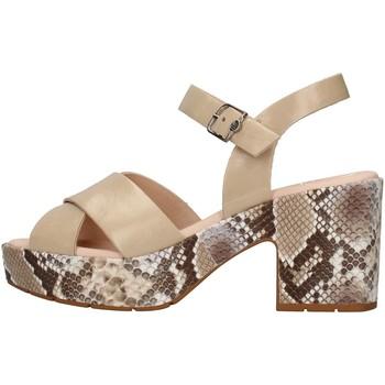 Cipők Női Szandálok / Saruk CallagHan 28800 BEIGE