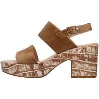 Cipők Női Szandálok / Saruk CallagHan 28801 BROWN