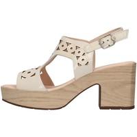 Cipők Női Szandálok / Saruk CallagHan 28701 WHITE