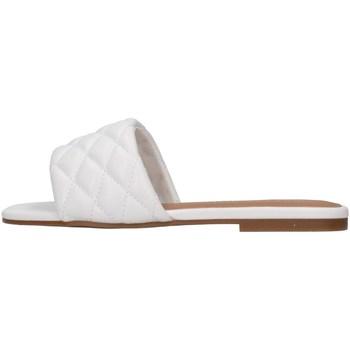 Cipők Női Papucsok Steve Madden PORTERR WHITE