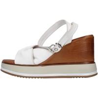 Cipők Női Szandálok / Saruk Inuovo 766011 WHITE