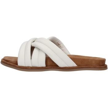 Cipők Női Papucsok Inuovo 777002 WHITE