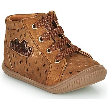 Cipők Lány Magas szárú edzőcipők GBB MASHA Barna