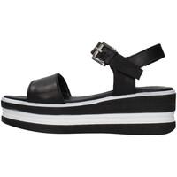 Cipők Női Szandálok / Saruk Pregunta PQ6603661 BLACK