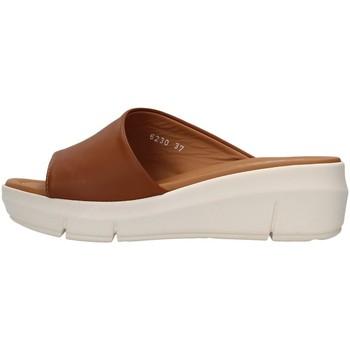 Cipők Női Papucsok Melluso R80411 BROWN