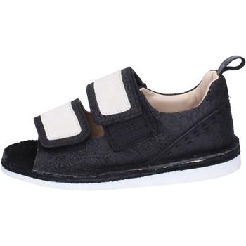 Cipők Női Szandálok / Saruk Moma BH313 Fekete