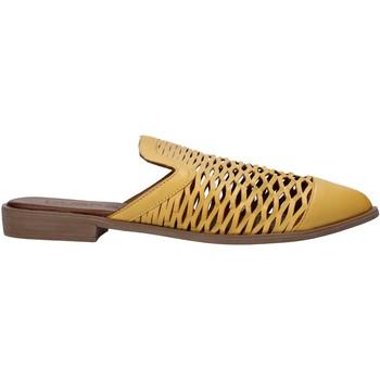 Cipők Női Klumpák Bueno Shoes 21WN0103 Sárga