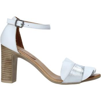 Cipők Női Szandálok / Saruk Bueno Shoes 21WN4300 Fehér