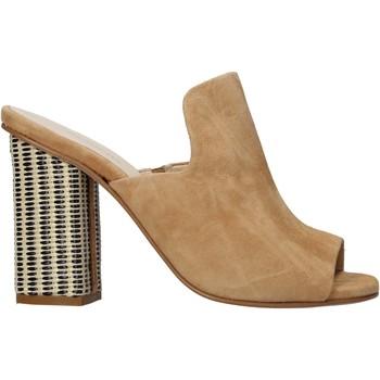 Cipők Női Papucsok Carmens Padova 41489 Barna