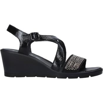 Cipők Női Szandálok / Saruk Enval 7279100 Fekete