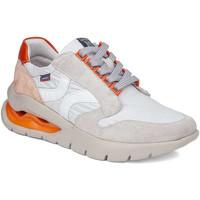 Cipők Női Rövid szárú edzőcipők CallagHan 45807 Bézs
