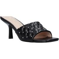 Cipők Női Papucsok Gold&gold A21 GP22 Fekete