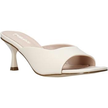 Cipők Női Papucsok Gold&gold A21 GY217 Fehér
