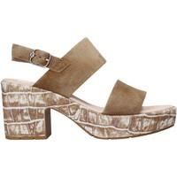 Cipők Női Szandálok / Saruk CallagHan 28801 Barna