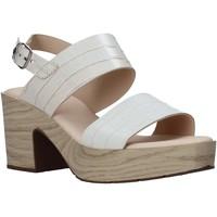 Cipők Női Szandálok / Saruk CallagHan 28700 Bézs