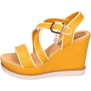 Cipők Női Szandálok / Saruk Enrico Coveri BH347 Sárga