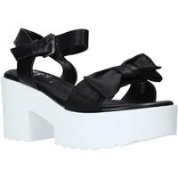 Cipők Női Szandálok / Saruk Onyx S20-SOX764 Fekete