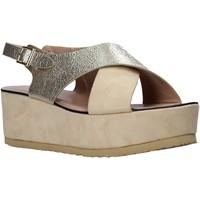 Cipők Női Szandálok / Saruk Onyx S20-SOX745 Bézs