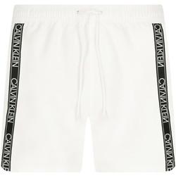 Ruhák Férfi Rövidnadrágok Calvin Klein Jeans KM0KM00558 Fehér