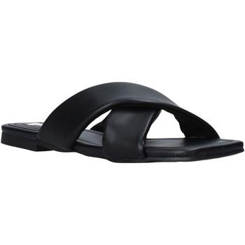 Cipők Női Papucsok Gold&gold A21 GY221 Fekete
