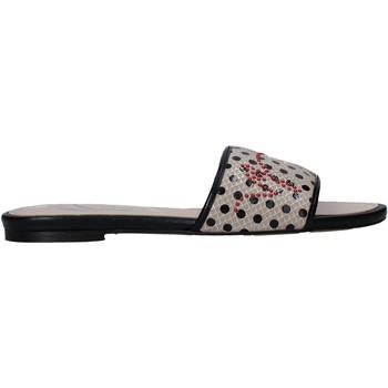Cipők Női Papucsok Manila Grace S622LP Bézs