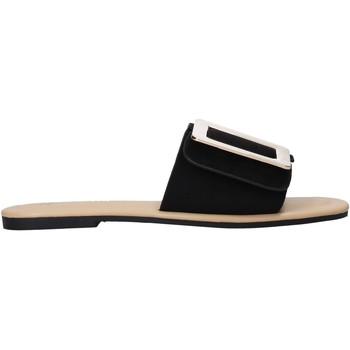 Cipők Női Papucsok Gold&gold A21 GJ551 Fekete