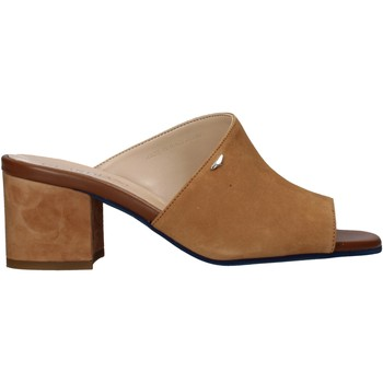 Cipők Női Papucsok Alberto Guardiani AGW003301 Barna