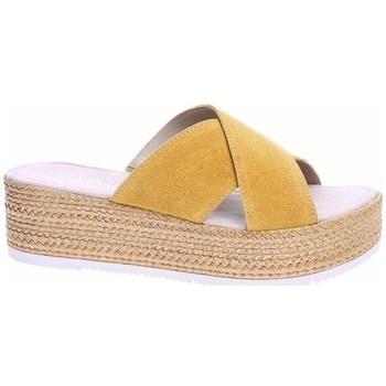 Cipők Női Papucsok S.Oliver 552720022602