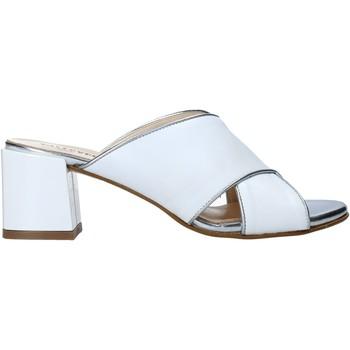Cipők Női Papucsok Valleverde 38201 Fehér