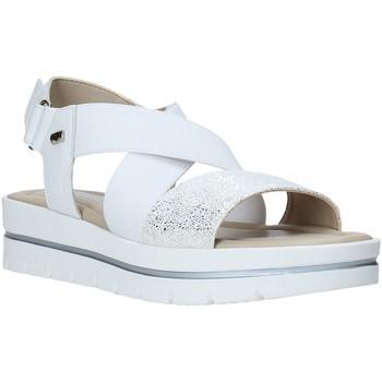 Cipők Női Szandálok / Saruk Valleverde 32332 Fehér