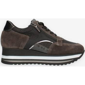 Cipők Női Rövid szárú edzőcipők Comart 1A4018PM Szürke