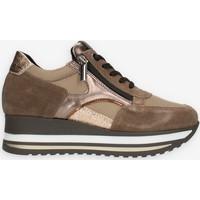 Cipők Női Rövid szárú edzőcipők Comart 1A4018PM Barna