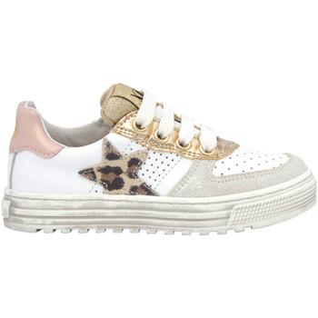 Cipők Gyerek Rövid szárú edzőcipők Naturino 2015896 05 Fehér