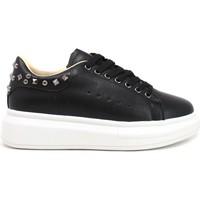 Cipők Női Rövid szárú edzőcipők Gold&gold B21 GB126 Fekete