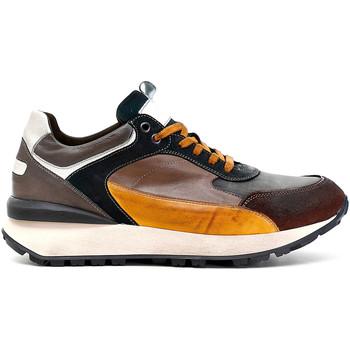 Cipők Férfi Rövid szárú edzőcipők Café Noir PB6220 Barna
