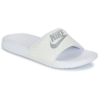 Shoes Női Papucsok Nike BENASSI JUST DO IT W Fehér / Ezüst