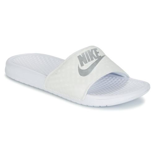 Cipők Női strandpapucsok Nike BENASSI JUST DO IT W Fehér / Ezüst