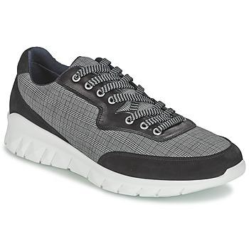 Cipők Férfi Rövid szárú edzőcipők Paul & Joe REPPER Fekete